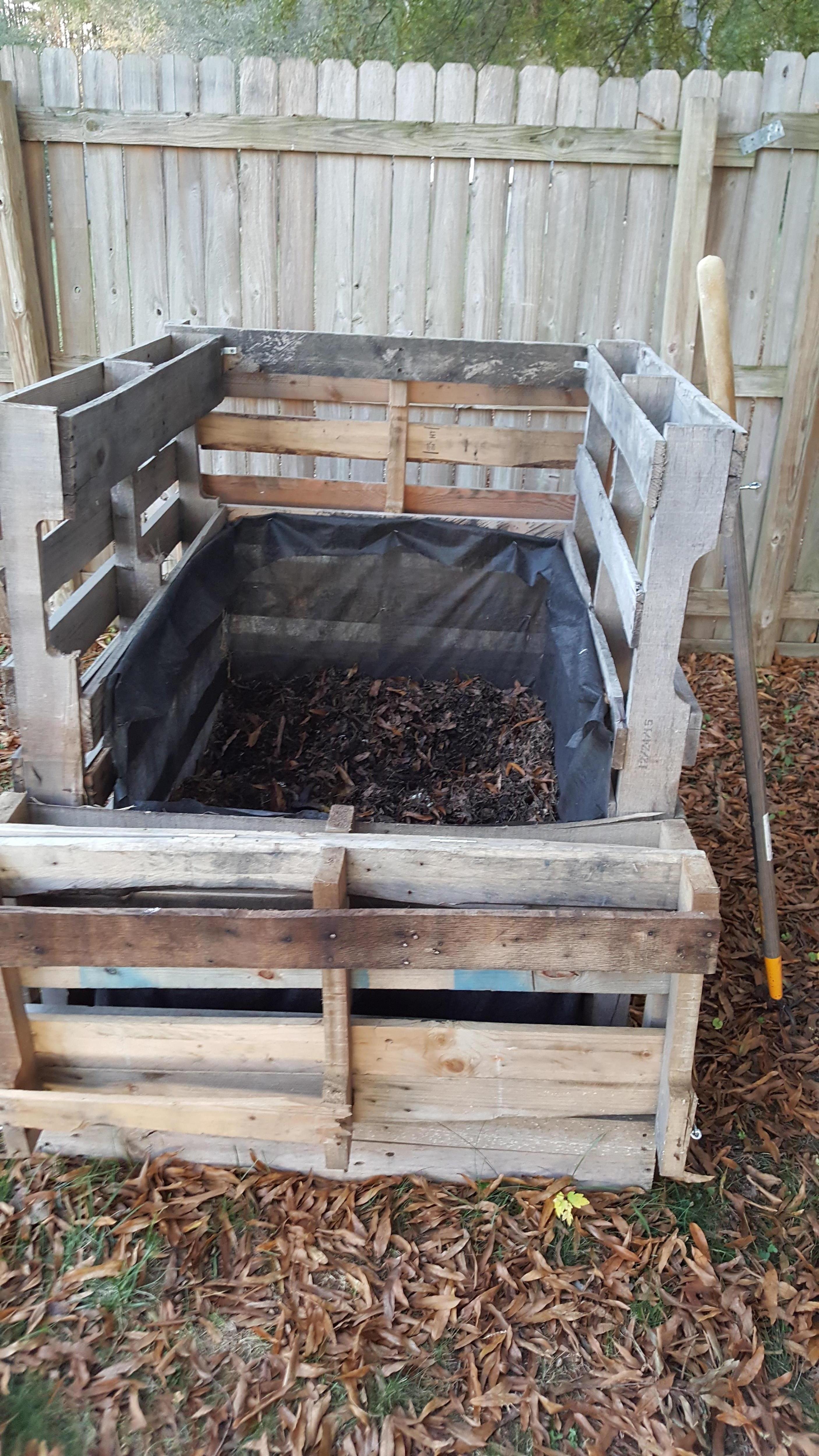 Backyard Compost Bin by Sam